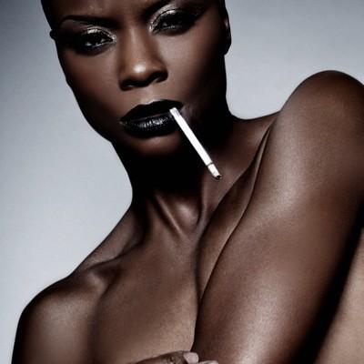 Aneesah dark black lip makeup look makeup artist Mimi J